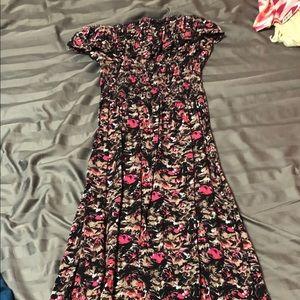 Super fun maxi dress (picture cut off)